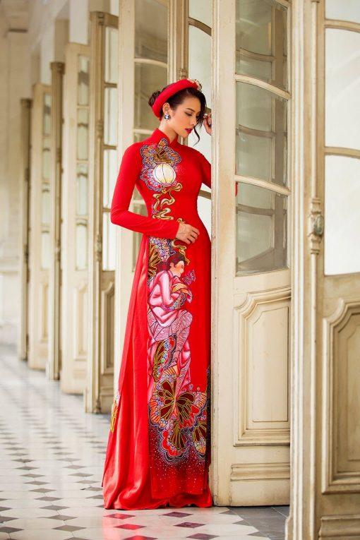 Áo dài nữ đỏ vẽ họa tiết độc đáo