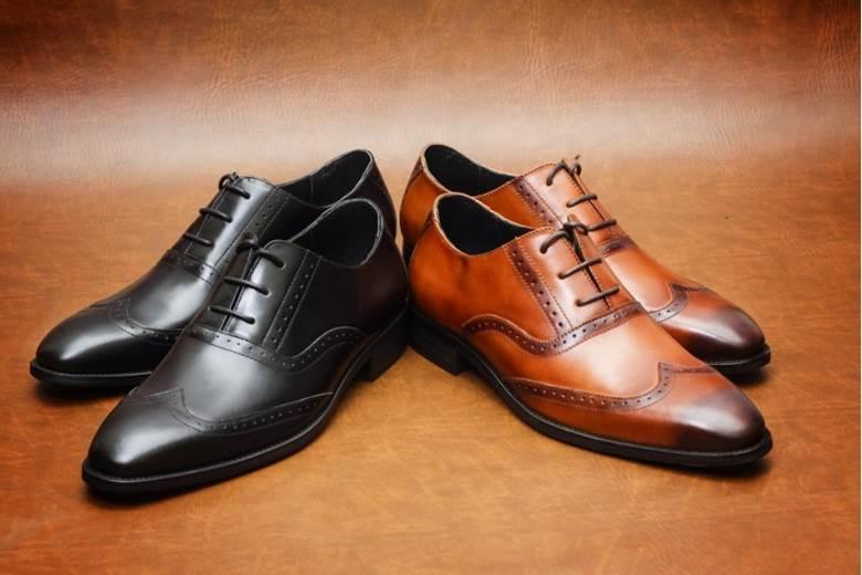 Lưu ý lựa chọn màu sắc của giày cho phù hợp không gian sử dụng