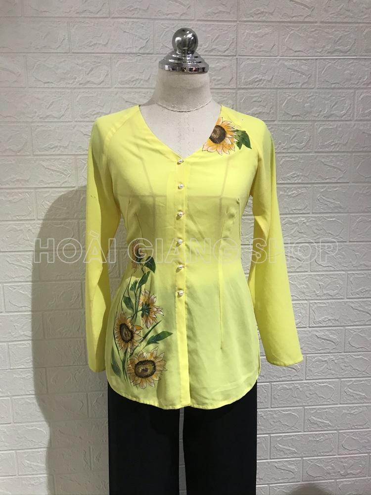 cho thuê áo bà ba màu vàng