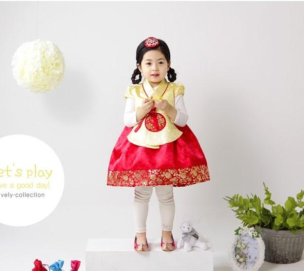 Chọn trang phục Hanbok mùa đông cho bé phù hợp