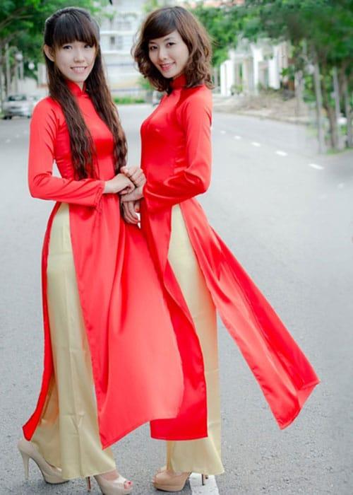 cho thuê áo dài lễ tân màu đỏ