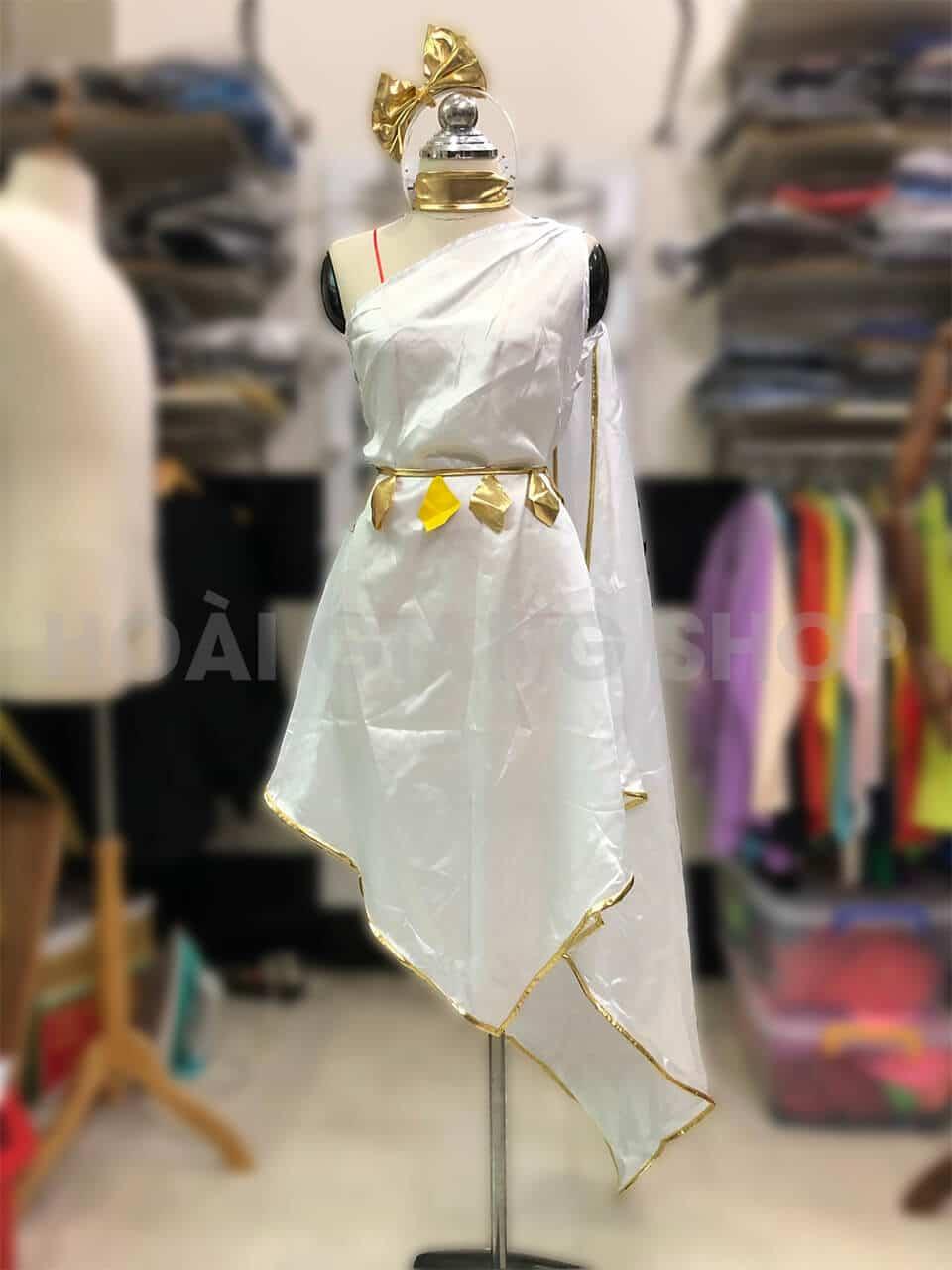 trang phục hy lạp trắng
