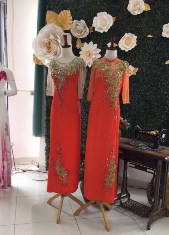 Lựa chọn áo dài lấp lánh cho các bà sui tại địa chỉ uy tín, chất lượng