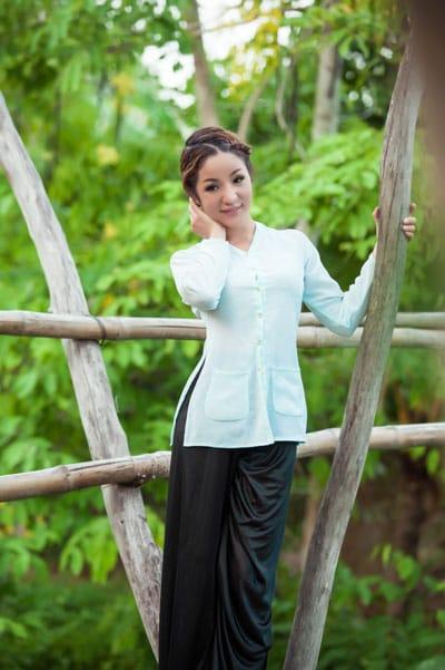Tại sao Việt kiều thích mặc áo bà ba