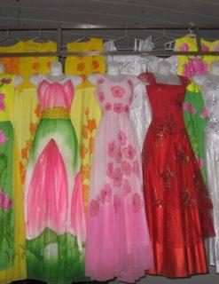 Váy múa truyền thống