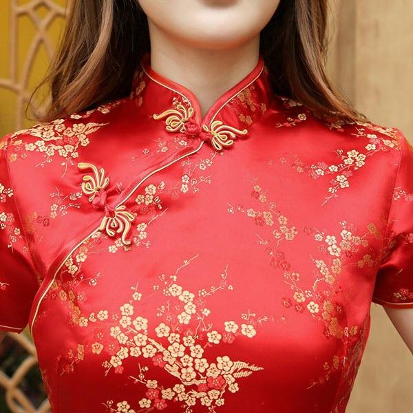 Sườn xám Trung Quốc gấm đỏ ngắn