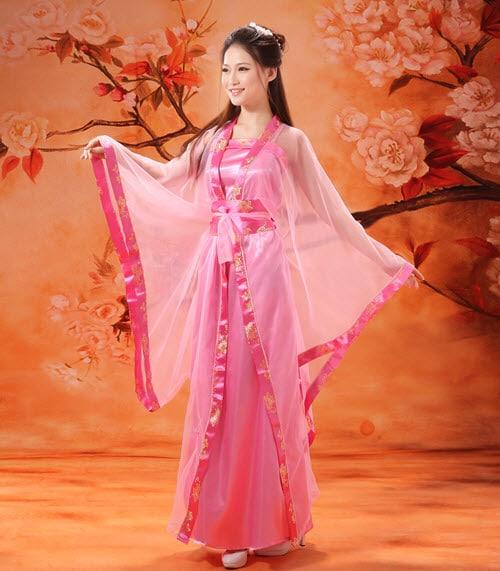 Trang phục chị Hằng theo phong cách Trung Quốc