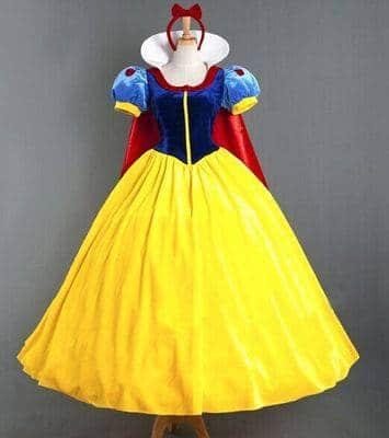 Trang phục công chúa Bạch Tuyết