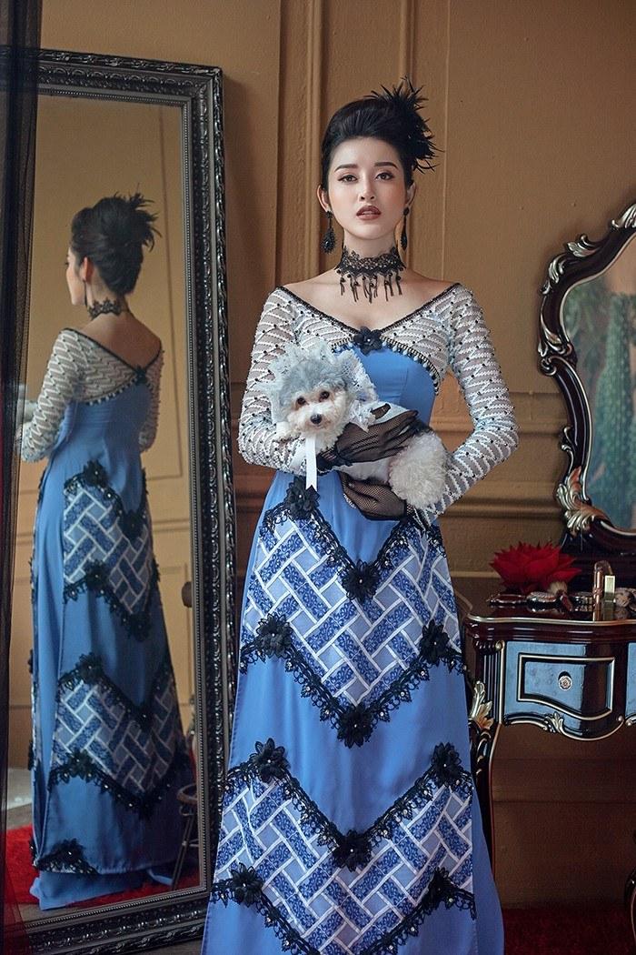 Á Hậu Huyền My hút mắt người xem với áo dài phong cách hoàng gia