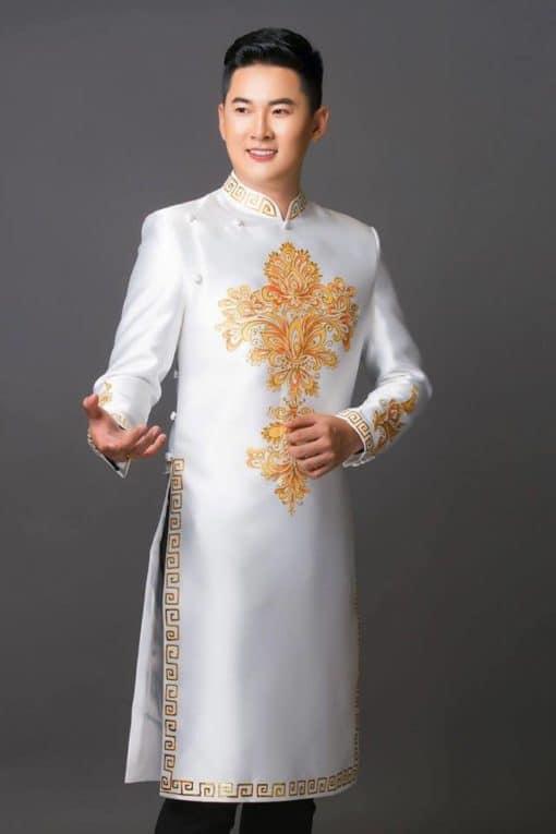 Áo dài nam cách tân trắng họa tiết vàng hiện đại