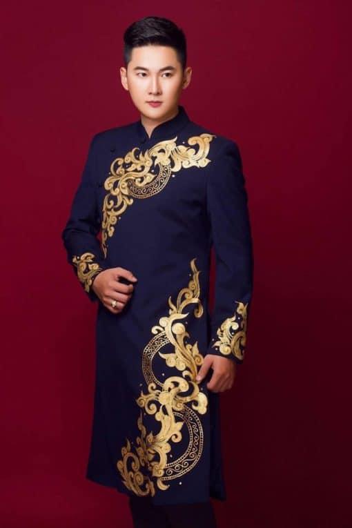Áo dài nam cách tân xanh đen họa tiết đối xứng nổi bật