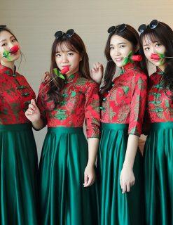 Áo khỏa nữ bưng quả Trung Hoa (áo đỏ váy xanh lá)
