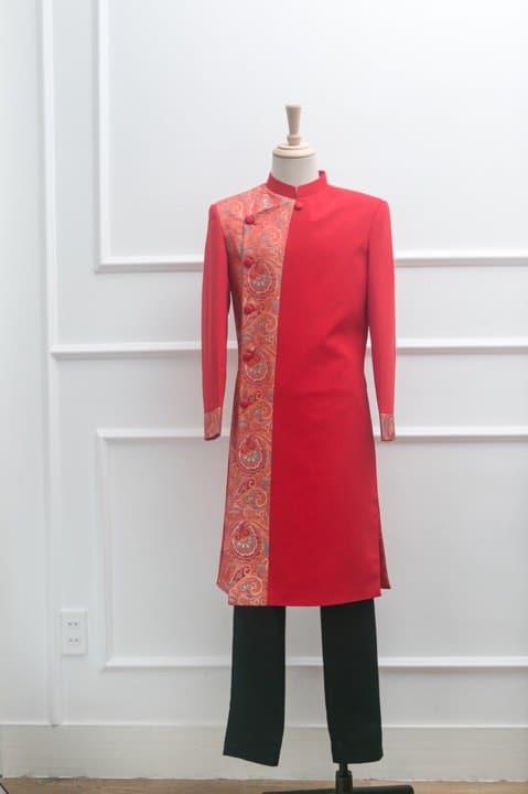 Áo dài nam đỏ phối gấm