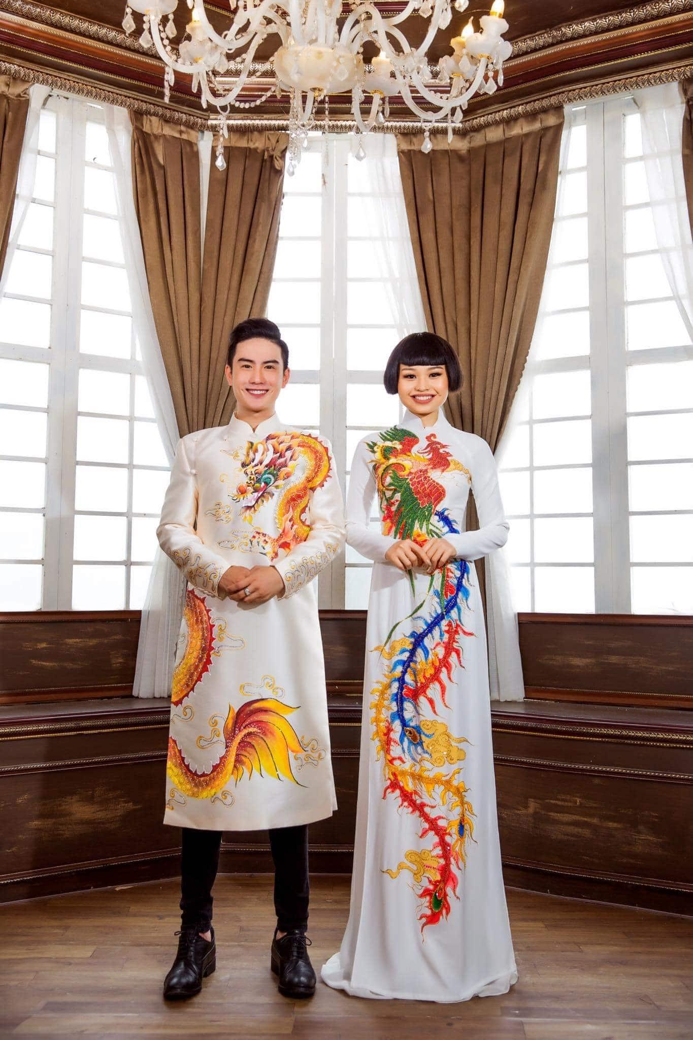 áo dài cặp trắng rồng phụng đa sắc