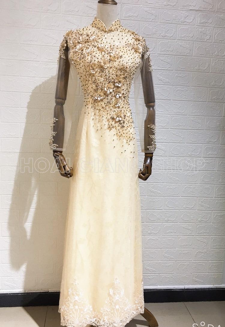 áo dài cô dâu màu vàng kem