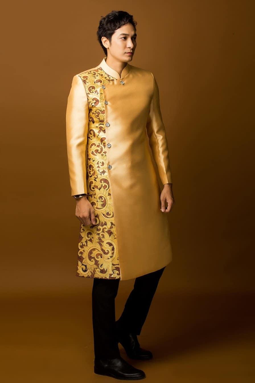 áo dài nam vàng đồng