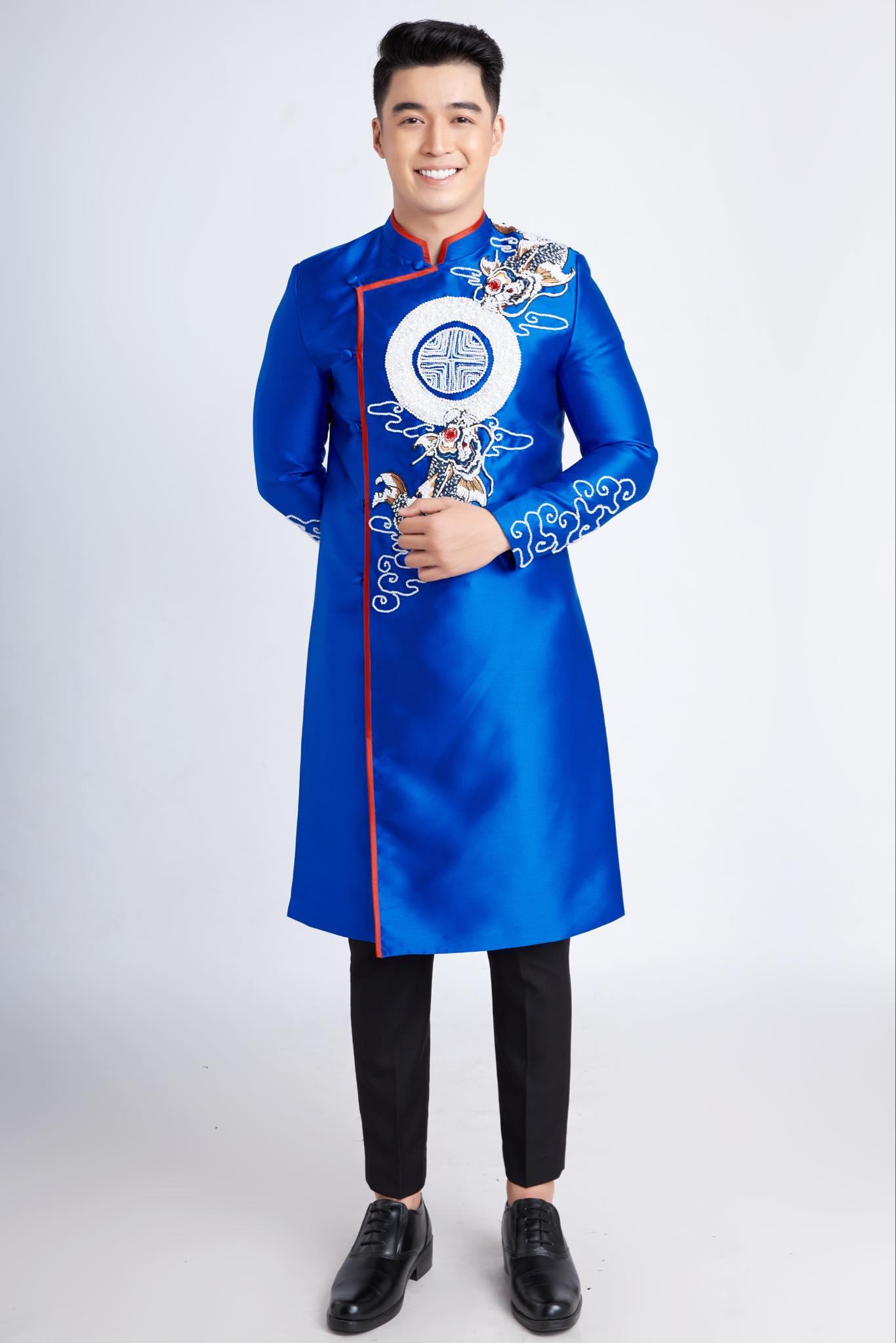 áo dài nam xanh vẽ cá chép hóa rồng