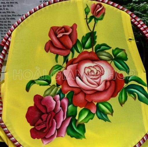 bà ba nữ vàng vẽ hoa hồng