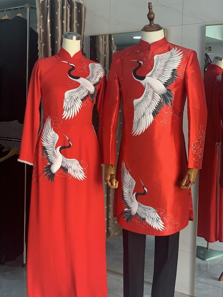 cho thuê áo dài cưới cặp màu đỏ