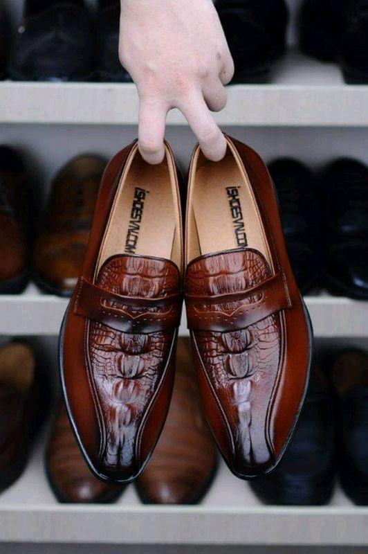 cho thuê giày lười